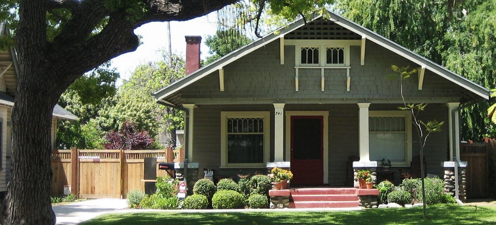 6 Reasons to Invest in Single-Family Homes